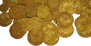 Schatzsuche gefundener Goldschatz