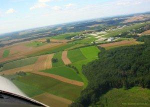 Luftbildarchäologie Blick aus dem Flugzeug